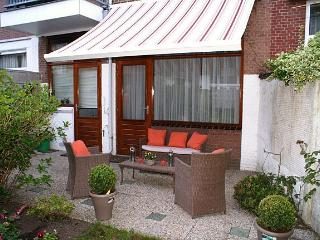 The Hague Cozy apartment w/garden near beach/see - Leiden vacation rentals