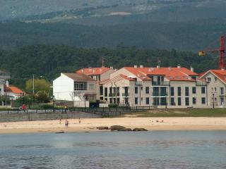 Primera linea playa en rias bajas Galicia - Santa Uxia de Ribeira vacation rentals