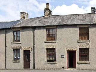 MYRTLE COTTAGE, country holiday cottage in Tideswell, Ref 6032 - Peak District vacation rentals