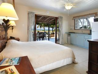Aruba Sunset Beach Studio - Malmok Beach vacation rentals