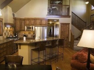 Sawtooth 380- 3 Bedroom, 3 Bath Chalet. Sleeps 9. Pet Friendly. One of our few homes with A/C. - Southwestern Idaho vacation rentals