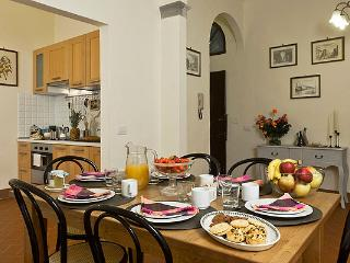 Elegant 4 Bedroom Apartment Rental in Tuscany - Tuscany vacation rentals