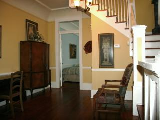 BEST CENTRAL LOCATION_Large3BRCondo_GardenDistrict - New Orleans vacation rentals
