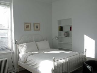 Studio in Manhattan's renowned Upper West Side - New York City vacation rentals