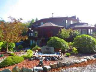 Vacation Home Ucluelet- 2 Bedroom-Full Kitchen. - Vancouver Island vacation rentals