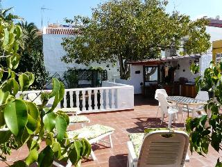 Casa Flora Garden Apartment. - El Sauzal vacation rentals