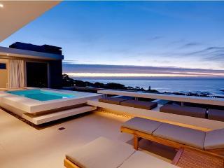 2-5 Bedroom Sea View Villa, 10 Min Walk to Beach - Camps Bay vacation rentals