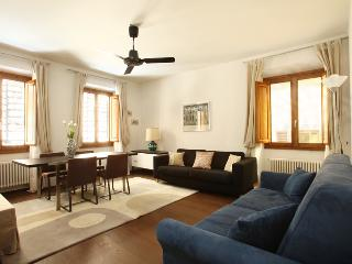 Corno 7 - Vinci vacation rentals