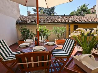 Trainquil 2 Bedroom Apartment with Terrace in Florence - Fiesole vacation rentals