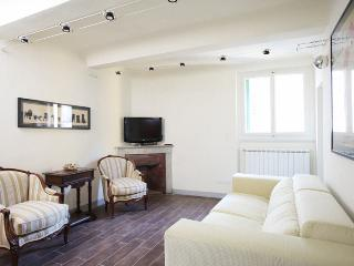 3 Bedroom Florence Apartment in Melegnano - Mercatale di Val di Pesa vacation rentals