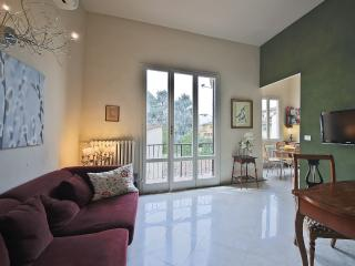 Peaceful 2 Bedroom Apartment Rental in Florence - Gagliano vacation rentals
