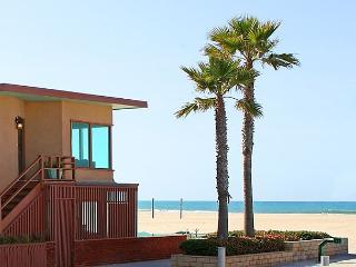 Spacious Oceanfront Single Family Home! Fantastic Ocean Views! (68210) - Newport Beach vacation rentals