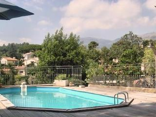 Vence, Lumineux Quiet 2 Bedroom Holiday Rental with Pool - Vence vacation rentals