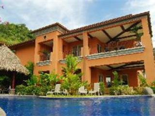 They call the Terrazas little villas, and the 1B is no exception. You feel completely stress free in this gorgeous setting. - Herradura vacation rentals