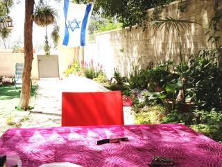 Room in green very calm environment in JERUSALEM - Ashkelon vacation rentals