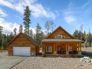Save in June! Awesome family cabin! 2BR, w/ Large Open Loft for Kids! Slps8 - Cle Elum vacation rentals