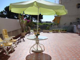 Lovely seaside apartment on Costa Dorada - Roda de Bara vacation rentals
