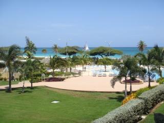 Superior Two-bedroom condo - E225-2 - Eagle Beach vacation rentals
