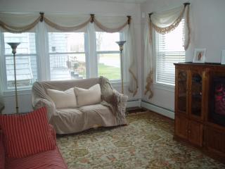 Niagara House - Angola vacation rentals