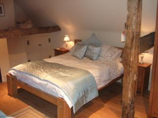 The Dutch House, only footsteps from York Minster! - York vacation rentals
