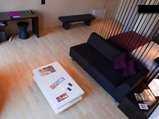 Holiday Rental Bordeaux - Modern with Balcony - Bordeaux vacation rentals