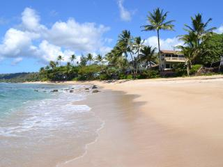 Beachfront Home, Ocean Views From Every Room - Haleiwa vacation rentals