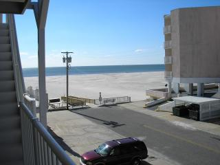 2BR Condo in Oceanfront Summer Sands-7/11 Value Wk - Wildwood Crest vacation rentals