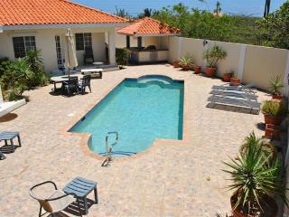 Amazing 4 bedrm Villa + Pool close to Arashi Beach - Oranjestad vacation rentals