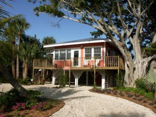 Beautiful Fort Myers Beach Cottage - Fort Myers Beach vacation rentals
