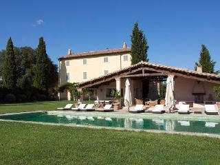 Casale Cerfoglio offers a fitness room, sauna, maid service and daily breakfast - Assisi vacation rentals