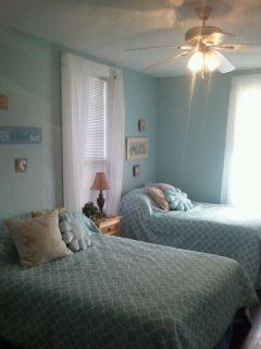 3rd Bedroom -House 1 Lower rental  - 2 Queen beds - 2 Beach Houses, Ocean Views, Tropical Patio! - Galveston - rentals