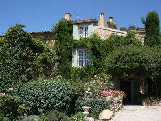 Charming Country Home - Beautiful View of Luberon! - Saignon vacation rentals
