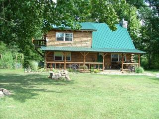 Possum Lodge Luxury Cabin on 64 acres - Pets OK - Freeport vacation rentals