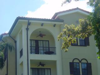 Fabulous Clubside condominium in the heart of Playas del Coco, 3BR, 2,5BA - Playas del Coco vacation rentals