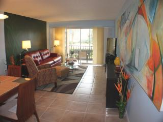 Fabulous Condo in Front of Siesta  Public Beach! - Siesta Key vacation rentals