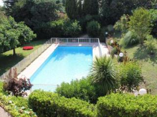 Gisela, Excellent Cannes Studio Apartment with Pool and Balcony - Chateauneuf de Grasse vacation rentals