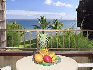 Sealodge H5: Oceanfront bargain, upstairs end unit. - Princeville vacation rentals
