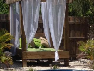 THE LITTLE OASIS VERY PRIVATE & ROMANTIC LOCATION - Captiva Island vacation rentals