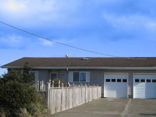 Harbor House--R391 Waldport Oregon bayfront vacation rental - Waldport vacation rentals