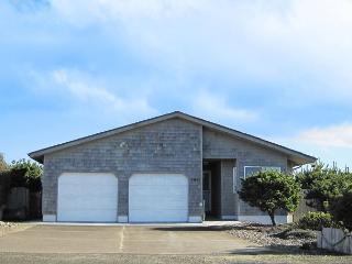 Shell Haven---R554 Waldport Oregon bayfront vacation rental - Waldport vacation rentals