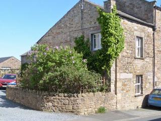 JOINERS ARMS, romantic, luxury holiday cottage, with a garden in Burton-In-Lonsdale, Ref 5269 - Bentham vacation rentals