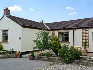 ROSE COTTAGE, pet friendly, country holiday cottage, with a garden in Caldwell, Ref 6871 - Barnard Castle vacation rentals