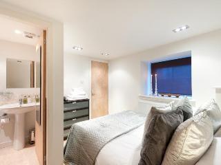 Henderson Street Apartment Central Edinburgh - Edinburgh vacation rentals