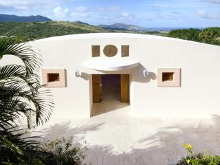 On Island Time: Privacy, Luxury, & Stunning Vistas - Cul de Sac vacation rentals