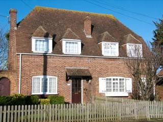 Village location close to Canterbury - Image 1 - Canterbury - rentals