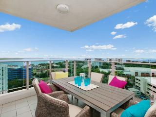 Beachlife Sea Spray Sleeps 8   Luxury Condo  Sea V - Darwin vacation rentals