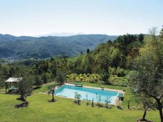 La Sorgente- groomed garden offers superb views, saltwater pool & bocci court - Lucca vacation rentals