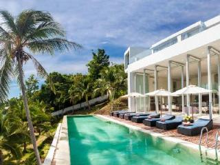 Private Estate with Professional Chef, Marble Pool, Spa, Gym, WiFi - Villa Beige - Khanom vacation rentals