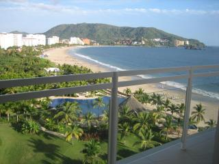 BVG Marina: Spectacular Ocean View 1 BD 2BA Condo - Ixtapa vacation rentals