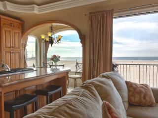 Oceanfront Beach Home 8 - State of the Art Appliances and Luxurious Decor with Fantastic Views! - Hermosa Beach vacation rentals